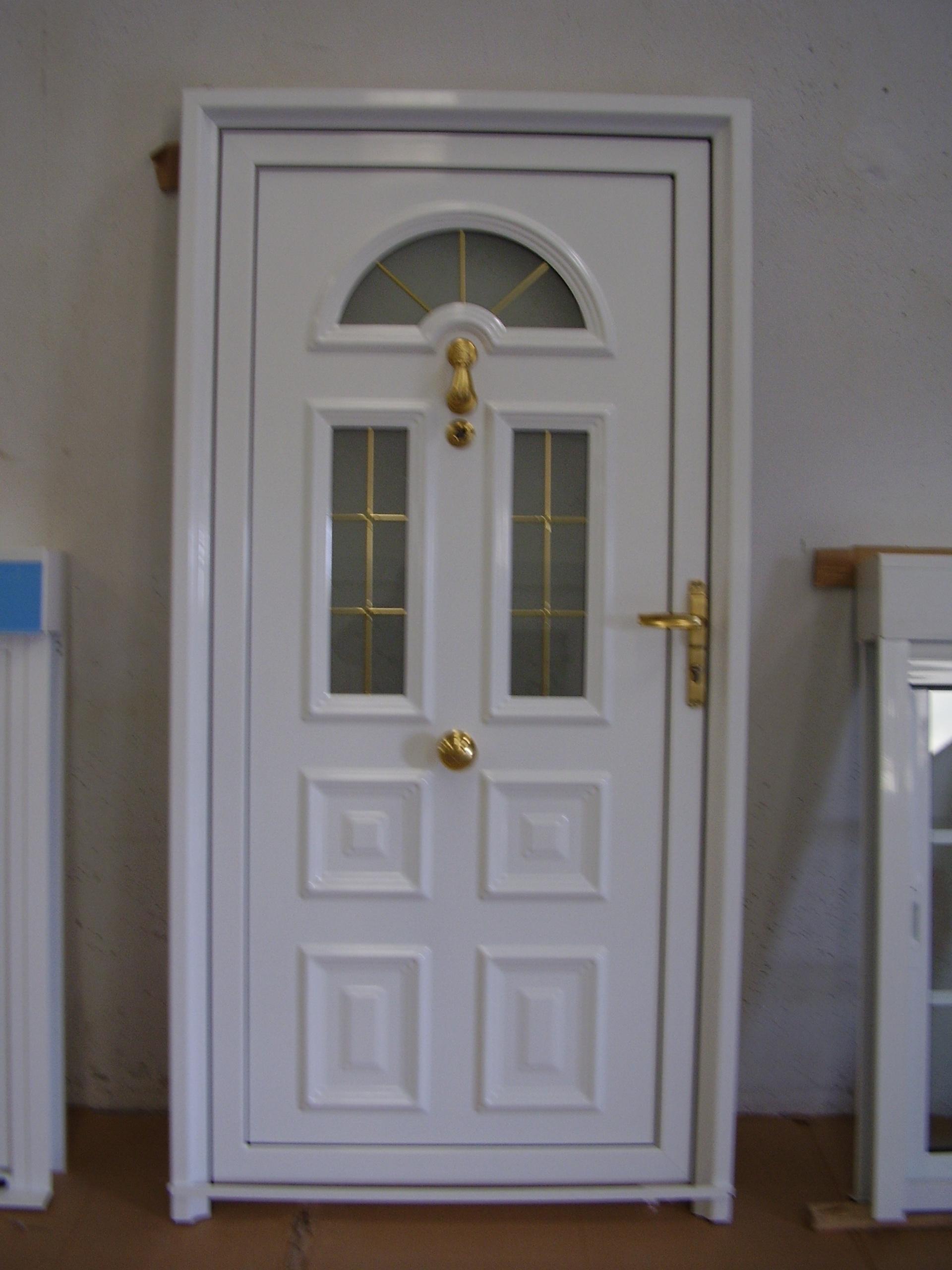 Puerta entrada de panel estampado