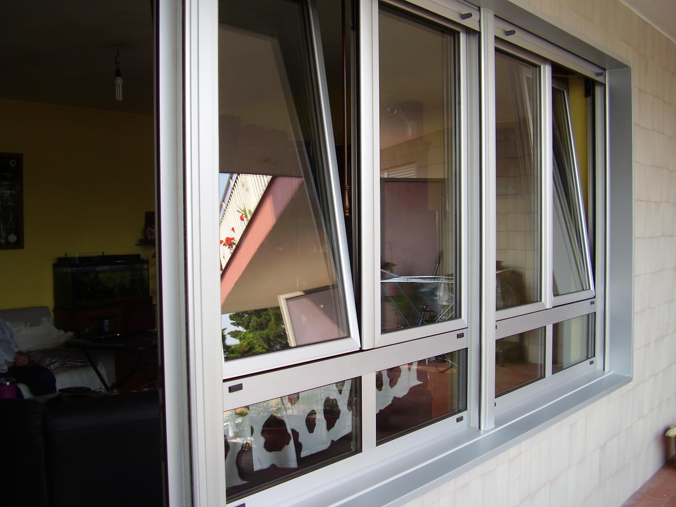 Cerramiento ventanas practicables oscilo-batiente