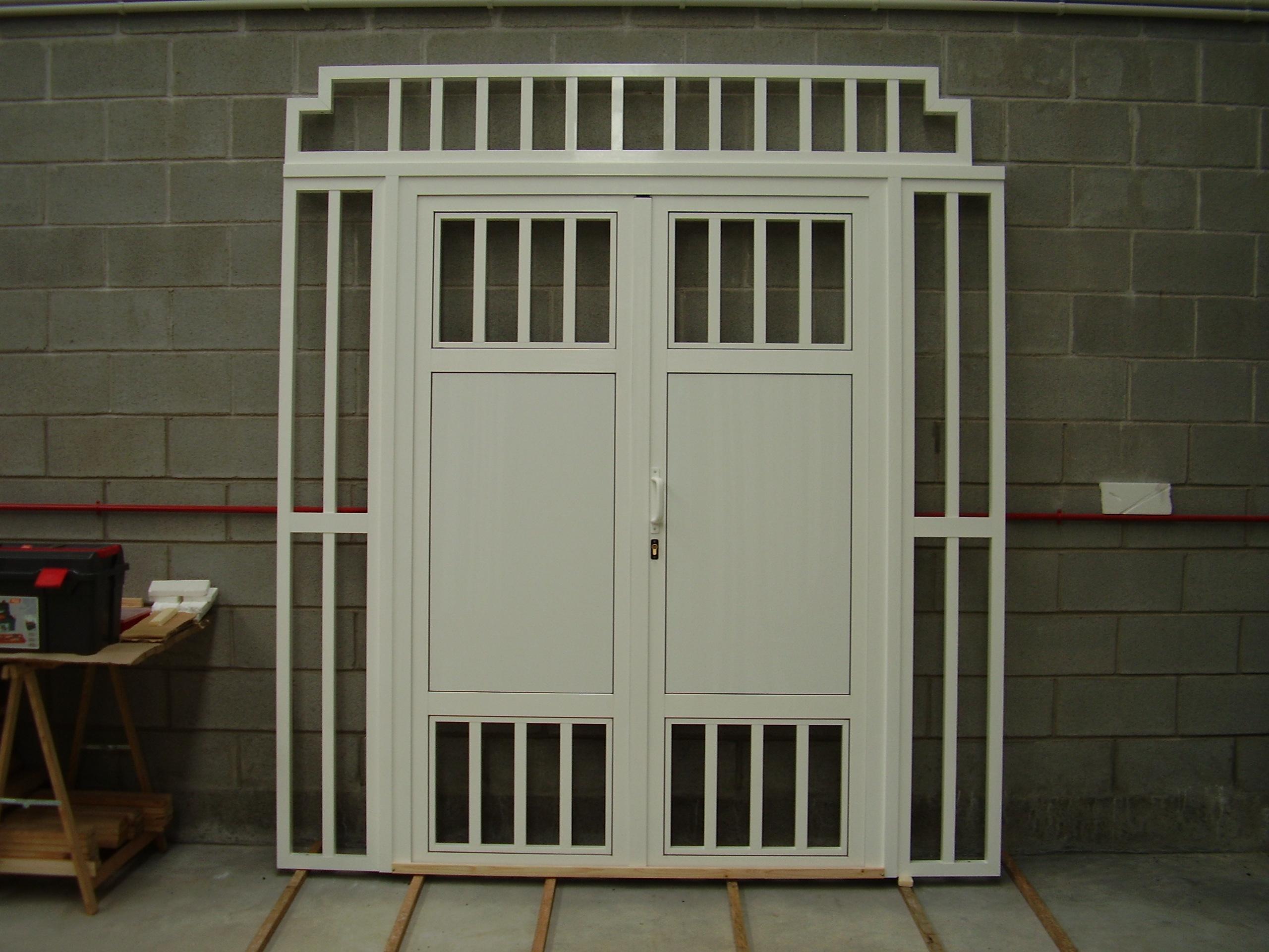 Puerta formato reja